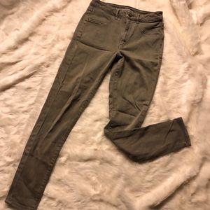 AE Sky High Jeggings in Olive SUPER SOFT